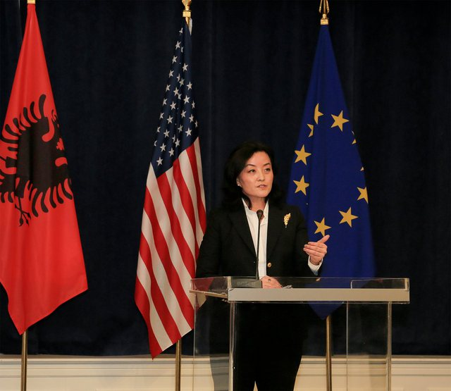 Yuri Kim: S'do ta lejojmë Kinën të sfidojë rregullat,