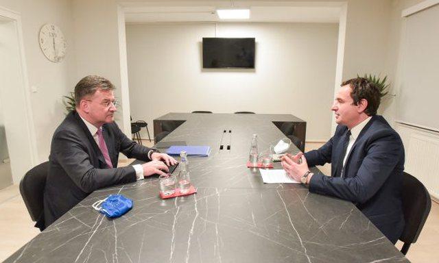 Kurti merr detyrën si kryeministër i Kosovës, Lajçak: BE