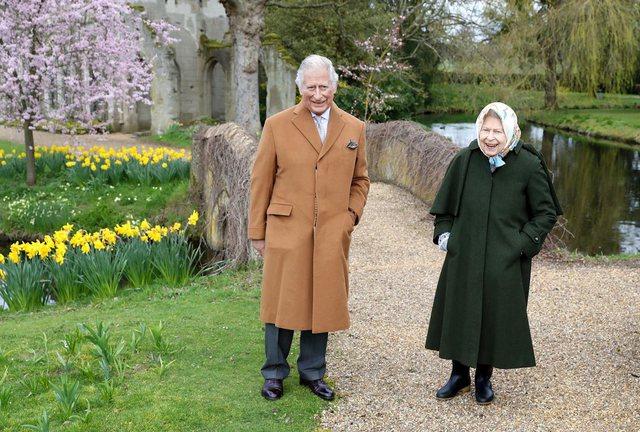 Pavarësisht lajmeve për Meghan dhe Harry-n, Mbretëresha shfaqet e