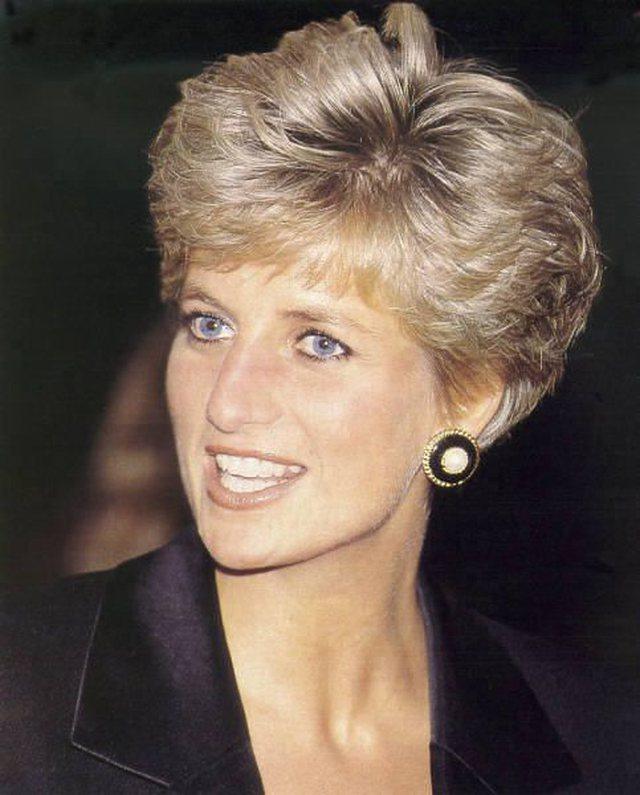 Modeli i paharrueshëm i flokëve të Princeshë Dianës,