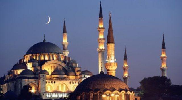 Nis muaji i Ramazanit, mesazhet e politikanëve për besimtarët