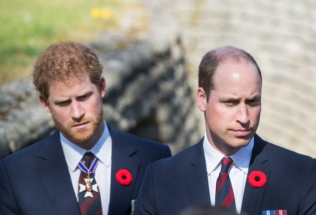 Harry po qëndron në hotel, William e ka telefonuar pas gjithë