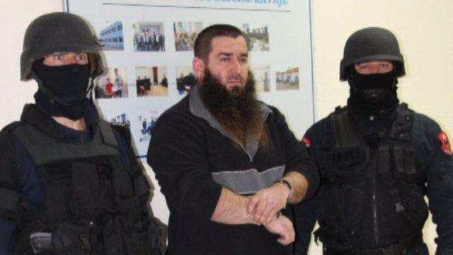 Autori që plagosi zyrtarin e PD në Kavajë me precedent dhe dy
