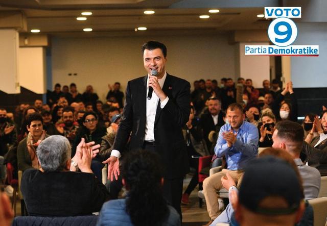 500 socialistë në Durrës i bashkohen PD, Basha: Mirënjohje