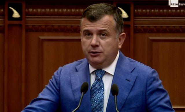 Balla akuzon PD-në për vrasjen në Elbasan, por i bën