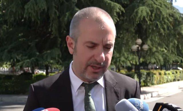 Remained outside Parliament, Ervin Bushati: It happens that the captain gets hit