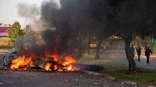 Vijojnë sulmet, Izraeli shpall gjendjen e emergjencës në Lod