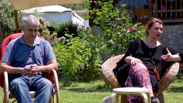 Edith Harxhi tregon se si e njohu bashkëshortin turk: Ishte dashuri me
