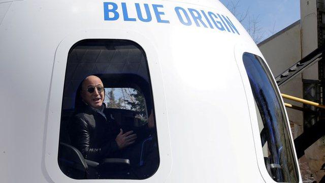 Jeff Bezos do i kalojë pushimet e verës në hapësirë