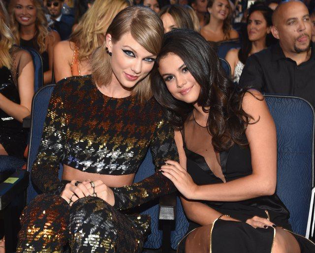 Selena Gomez inspirohet nga koleget e saj për veshjet: Taylor Swift ishte
