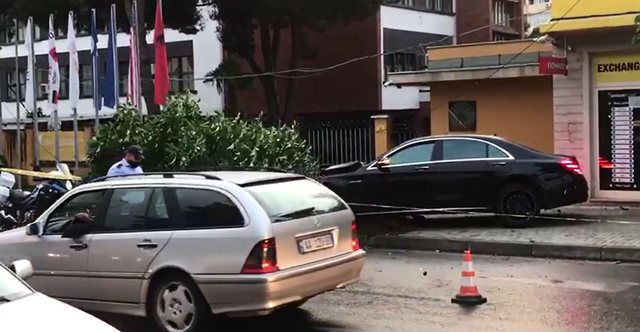 Aksidenti në Tiranë/ U përplas nga Benzi me shofer