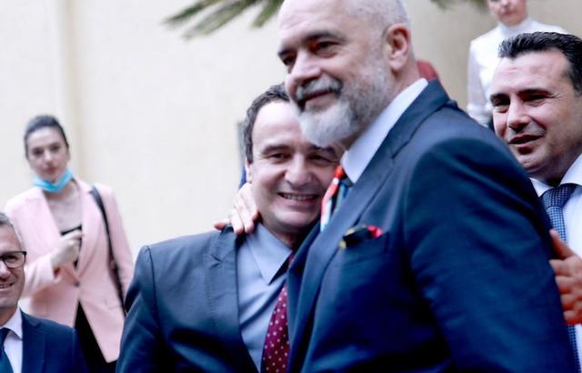 Përqafimi Rama-Kurti, Abazi: Nuk ishte vëllazëror, por prej