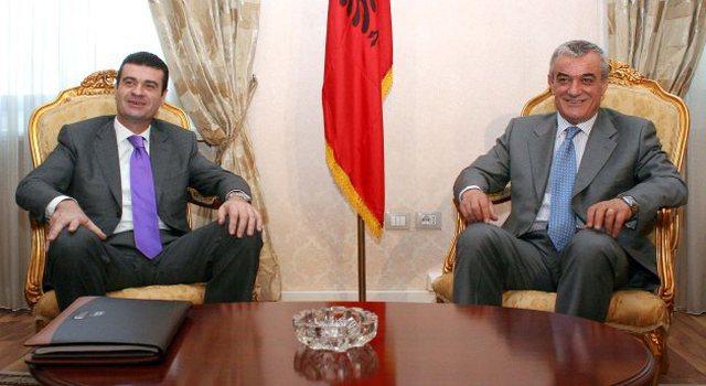 Ruçi u largua nga politika, Patozi: Të dish të ikësh