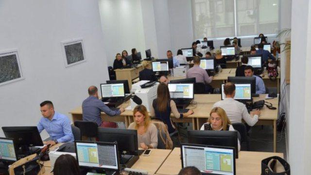 Shqipëria numëron rreth 84 mijë punonjës në