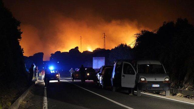 """Unprecedented catastrophe"" / Sardinia under fire, Italy seeks help"