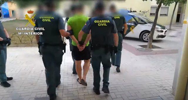 Video / Albanian-Greek marijuana cultivation group hit in Spain, 8 in handcuffs
