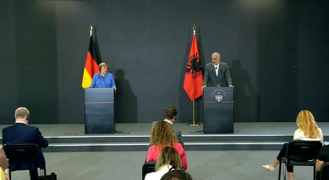 """""""Merkeli do t'i mungojë rajonit"""", Rama hap konferencën"""