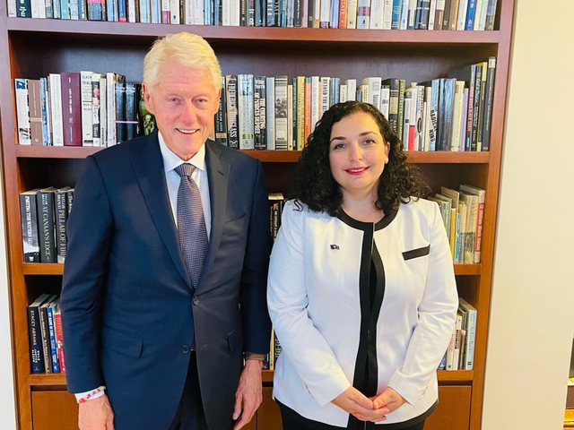 President Osmani meets former President Clinton: Kosovo is blessed