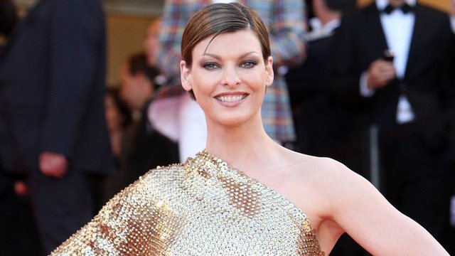 Confesses model Linda Evangelista, says that she has remained deformed by