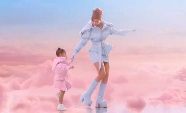 Kylie Jenner dresses up with Valdrin Sahiti
