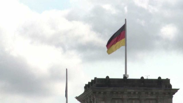 Elections in Germany / Polls show close race, left over
