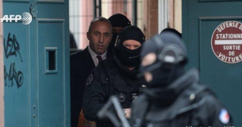 Haradinaj paralamëron mbështetësit e tij: Rrini të