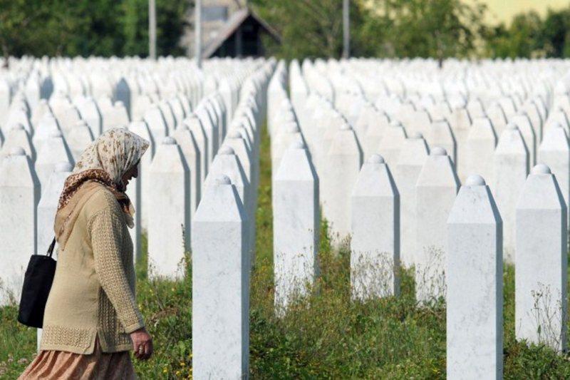Anniversary of Srebrenica Renews Divisions of Serbian Politics in Perception of