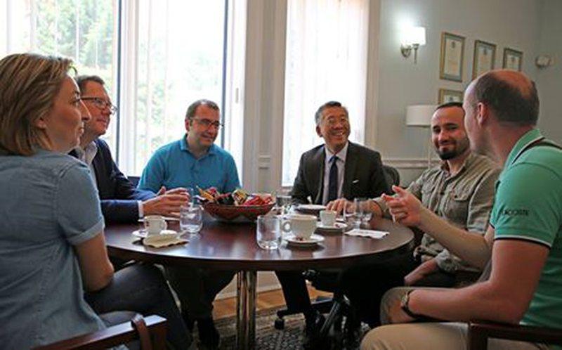 Donald Lu takohet me gazetarët e paditur nga Gjin Gjoni: Beteja juaj,
