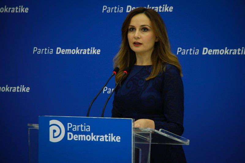 'Qeveria gënjen për ndihmat ekonomike', ish deputetja: FMN