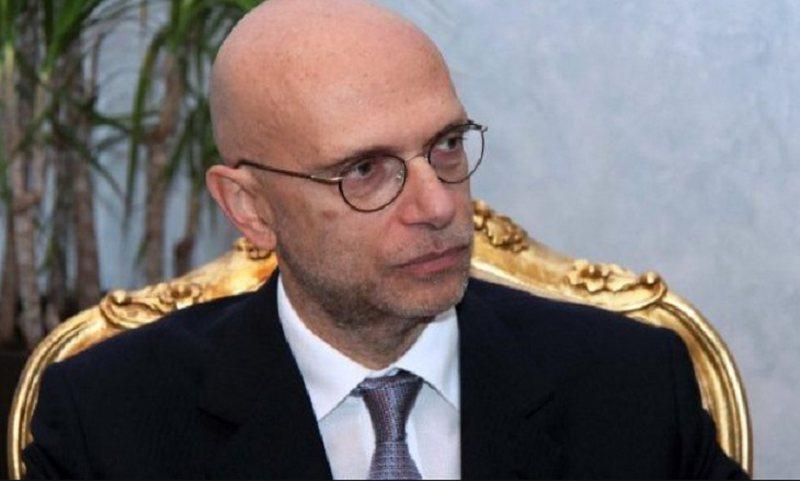 Si po gënjen ambasadori italian për të mbrojtur Agron Xhafajn