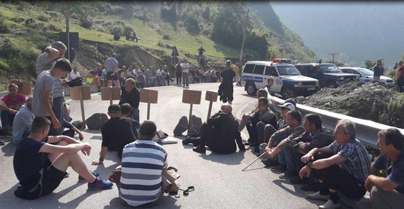 """""""Nuk shkëmbejmë urën 7-shekullore me përbindësh"""