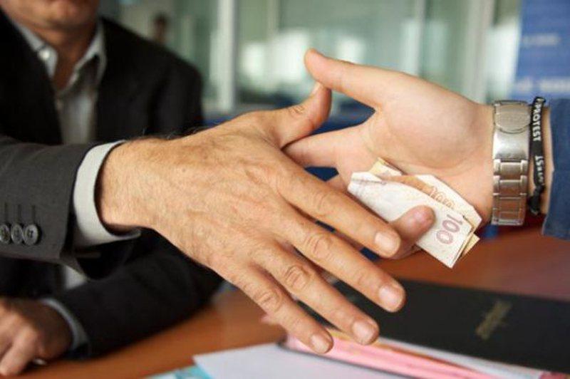 Raporti i KE: Korrupsioni i kudondodhur në Shqipëri, problem serioz