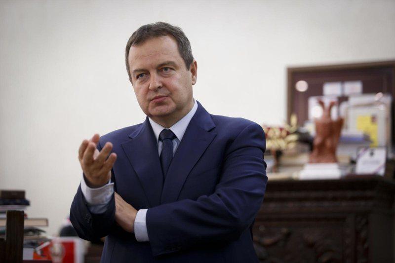 Ivica Daçiç komplikon edhe më shumë dialogun me