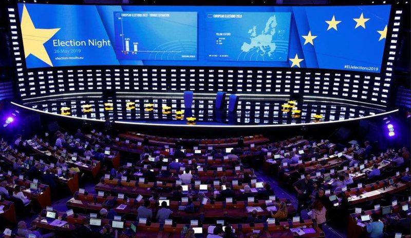 Rezultatet/ Si ndryshon Parlamenti Evropian pas zgjedhjeve; tronditja që po