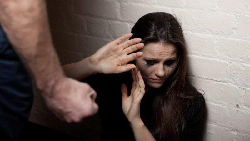 INSTAT: 1 në 2 gra shqiptare ka përjetuar një lloj dhune në