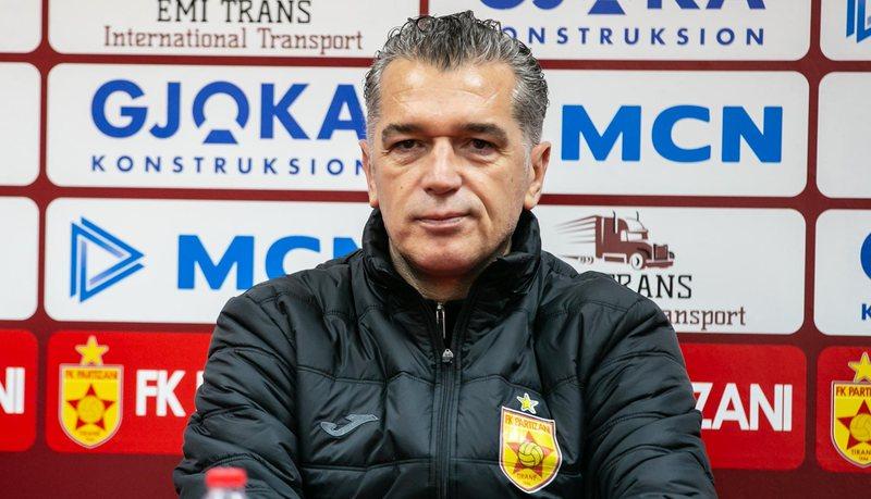E papritur/ Trajneri Skënder Gega largohet nga Partizani