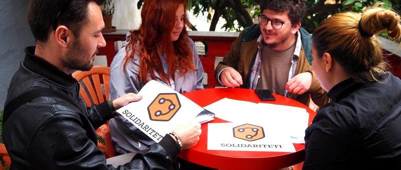 Equal Times: 'Solidarnosti' shqiptar, të rinjtë kundër