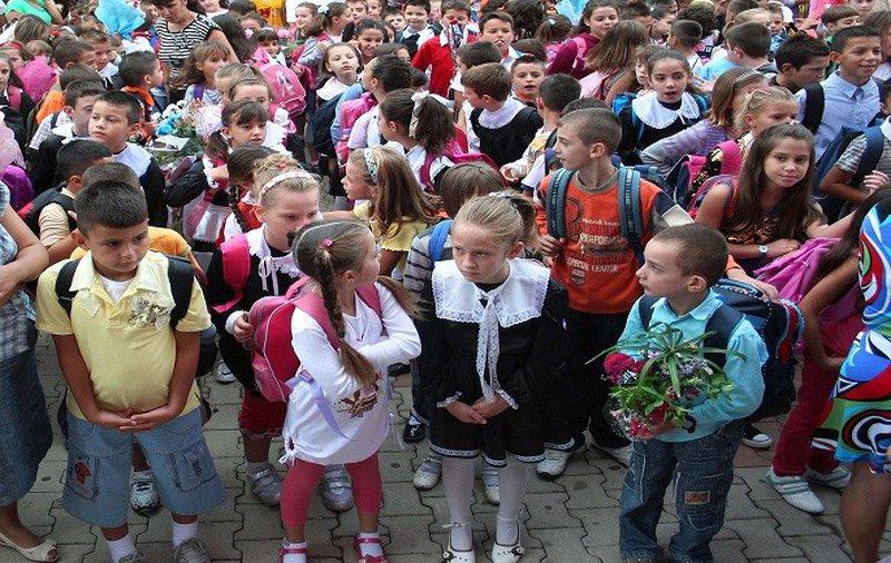 Sot nis viri i ri shkollor, 24 mijë nxënës ulen në banka