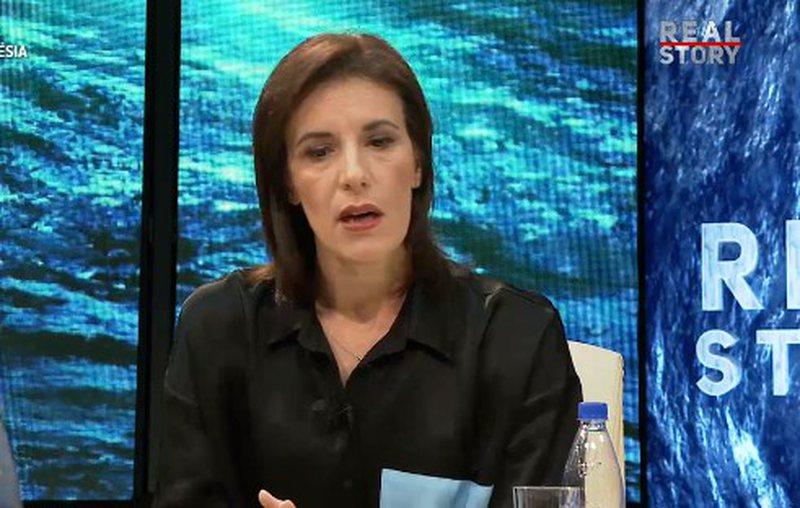"""Gazetarja """"skanon"""" të dekretuarën e Metës:"""