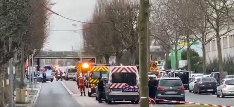 Sulm me thikë në Francë, një i vdekur dhe dy të