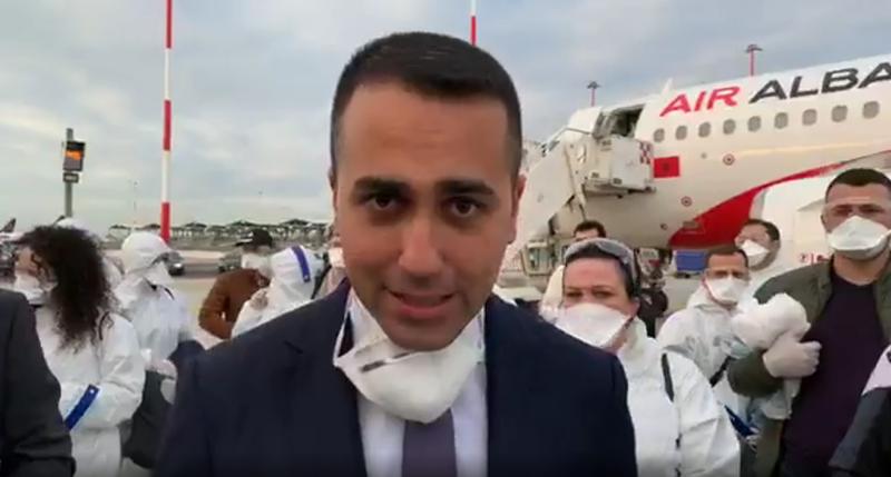 Ekipin e mjekëve shqiptarë i priti ministri i jashtëm Di Maio: