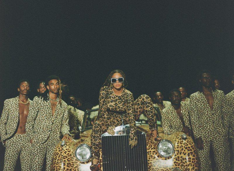 Beyonce zgjedh sërish stilistët shqiptarë për albumin e saj