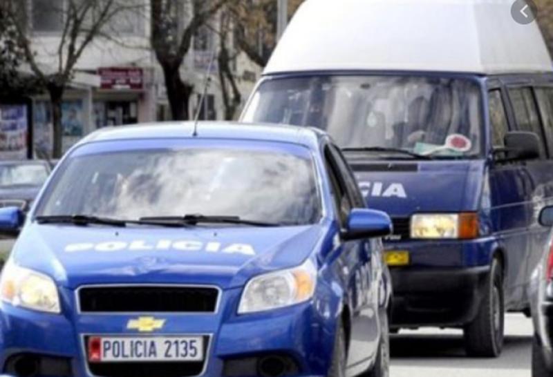 Drogë, armë dhe vjedhje, arrestohen tre persona dhe shpallen në