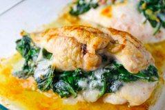 Fileto pule me spinaq dhe djathë, recetë e lehtë dhe super e