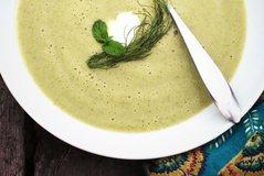 Supë verore me kungulleshka dhe kos, receta më e shijshme që keni