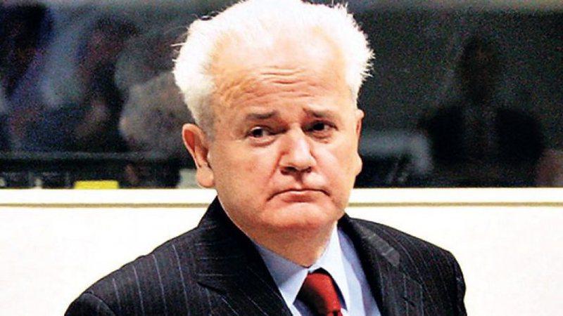 Dalin pamjet e rralla nga minutat e fundit të Slobodan Milosheviç,