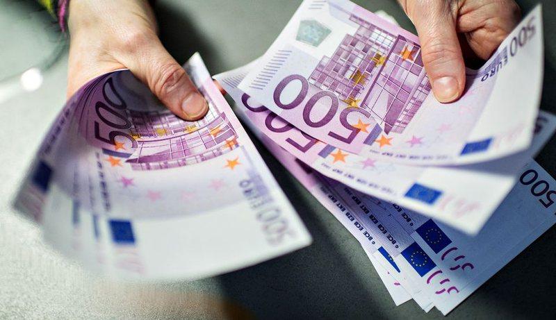 Euro hyn sërish në cikël rënës për 9 ditë
