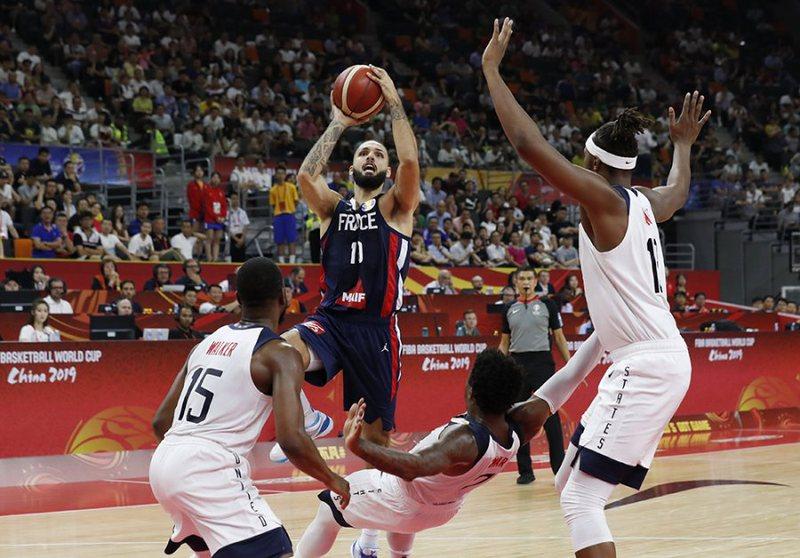 Tronditet Botërori i Basketbollit, Franca eliminon pretendenten kryesore,
