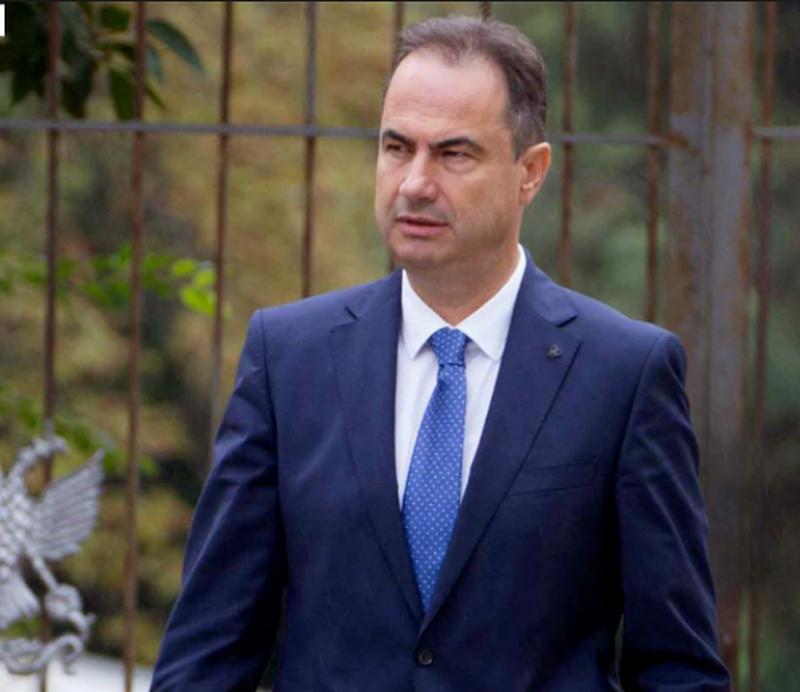 Luçiano Boçi: E njohim dekretin e presidentit, por nuk futemi