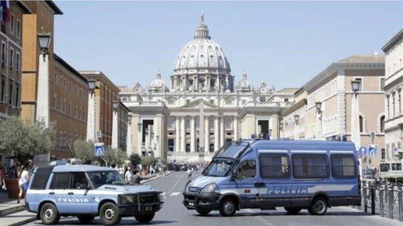 """""""Nesër në Romë do të shkoj në"""